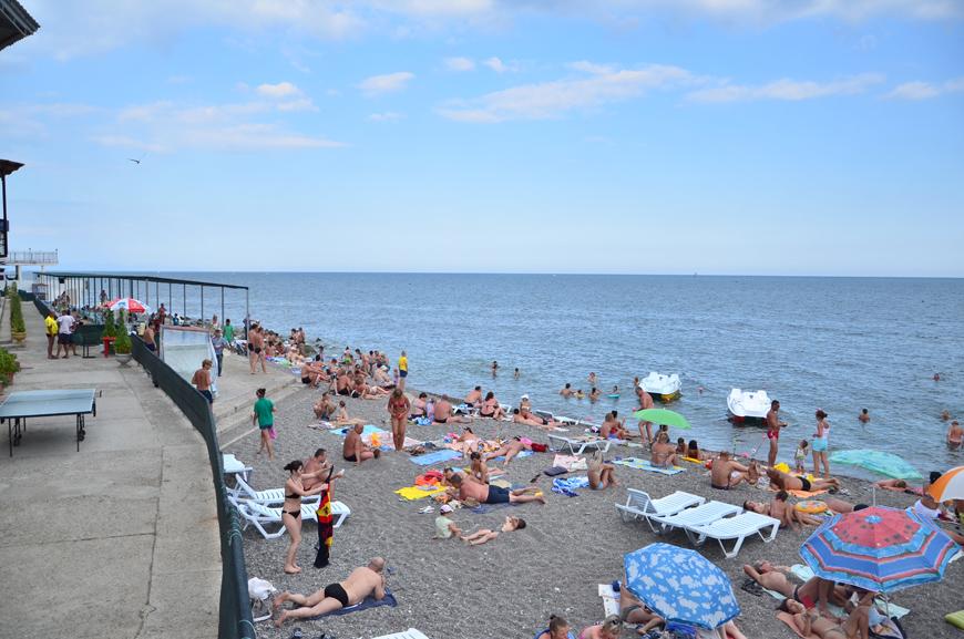 Пляжи в Алуште рядом с базой Отрада